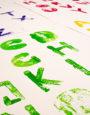 """Unter dem Titel """"Freie Schriftarbeit"""" entstehen Alphabete bzw. Annäherungen an Typen/Schriften, auf experimentelle Weise und ohne weitere Vorgaben. Arbeit von Verena Schneider"""